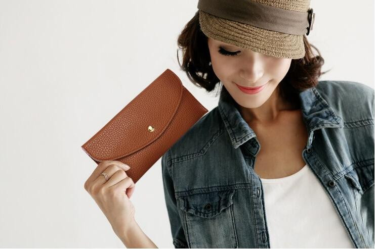 summer_clutch_wallet_model1